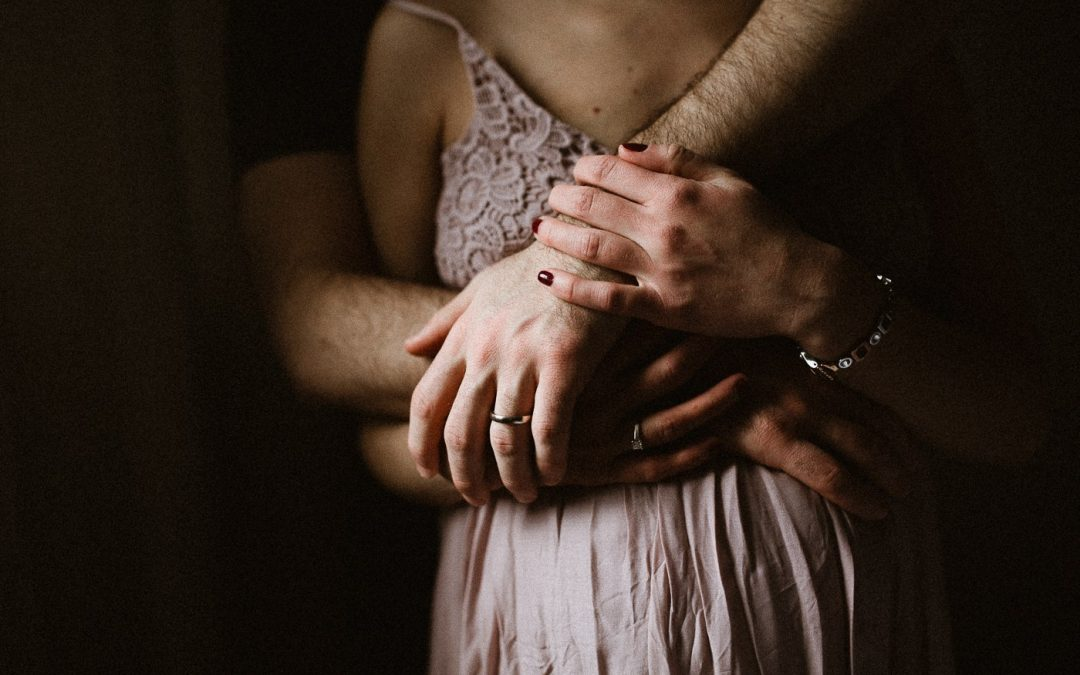 Pregnancy //  Montreal Lifestyle Maternity Couple's Session